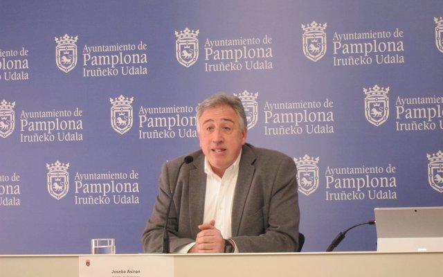 Joseba Asiron afirma que en el tercer año de mandato 'se ha afianzado el nuevo modelo de ciudad' para Pamplona