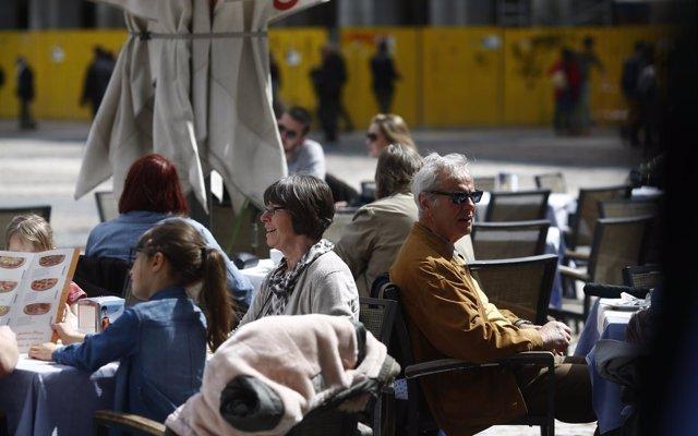 La facturación del sector servicios aumentó en Castilla-La Mancha un 9,7% en abril