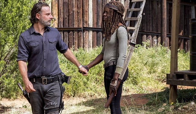 Andrew Lincoln y Danai Gurira en The Walking Dead