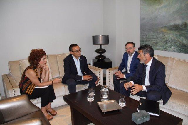 Caraballo se reúne con representantes de ATA en Andalucía.