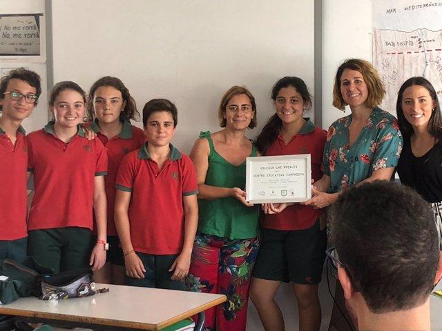Estudiantes de 'Los Rosales' premiados por su labor humanitaria.
