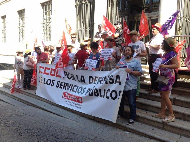 Concentración de CCOO en la Consejería de Hacienda de Toledo