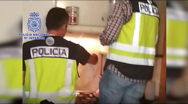La Policía Nacional detiene a seis atletas en una operación contra el dopaje