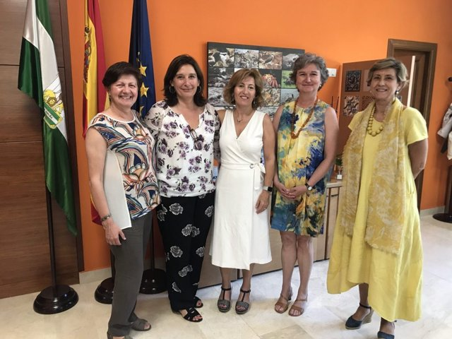 Reunión entre EASP y OMS sobre género y salud