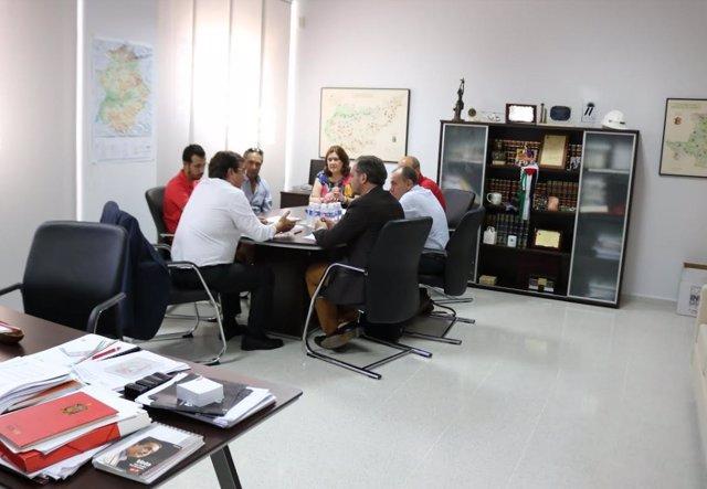 Reunión de Vara con el sector de la caza y la pesca