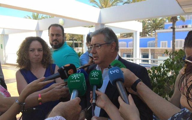 Zoido sobre el acercamiento de presos de ETA: 'Sería muy triste que se pagaran los apoyos por la moción de censura'