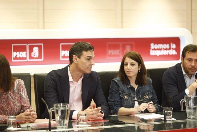Pedro Sánchez y Adriana Lastra en la reunión de la Comisión Permanente del PSOE