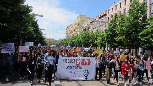 Estudiantes se manifiestan en Zaragoza en contra de la sentencia de La Manada