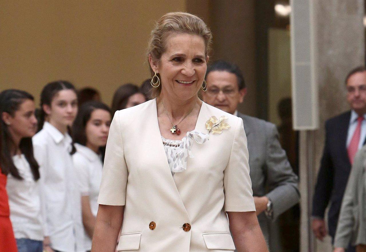 La Infanta Elena viaja a Ginebra para apoyar a su hermana, la Infanta Cristina