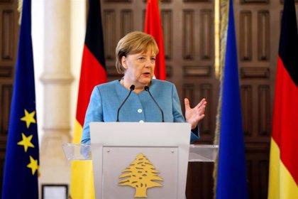 Merkel defiende desde Líbano que aún no se dan las condiciones para que los refugiados regresen a Siria