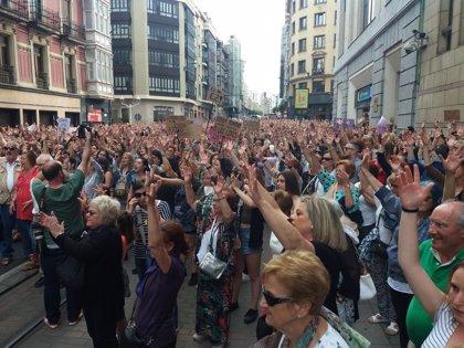 Varios miles de personas rechazan en Bilbao la puesta en libertad de 'La Manada'