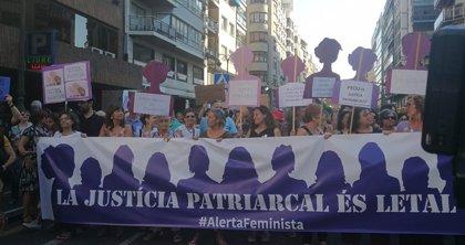 """Multitudinaria marcha contra la libertad de La Manada: """"La justicia patriarcal es letal"""""""