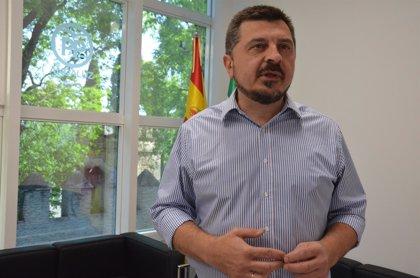 Toni Martín (PP-A) renuncia a su puesto de senador y espera que Antonio Sanz le sustituya