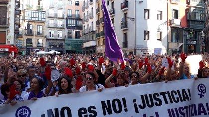 Una multitud rechaza en Pamplona la puesta en libertad provisional de 'La Manada'