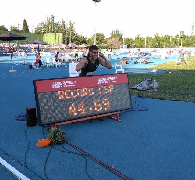 Bruno Hortelano arrasa en Madrid pulverizando el récord de España de 400