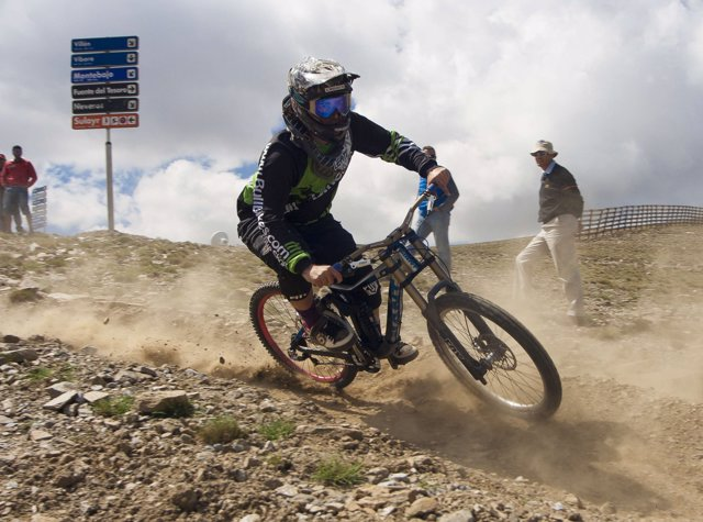 Biker en Sierra Nevada