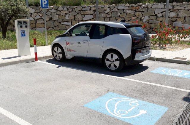 Coche eléctrico para las labores del Metro de Granada