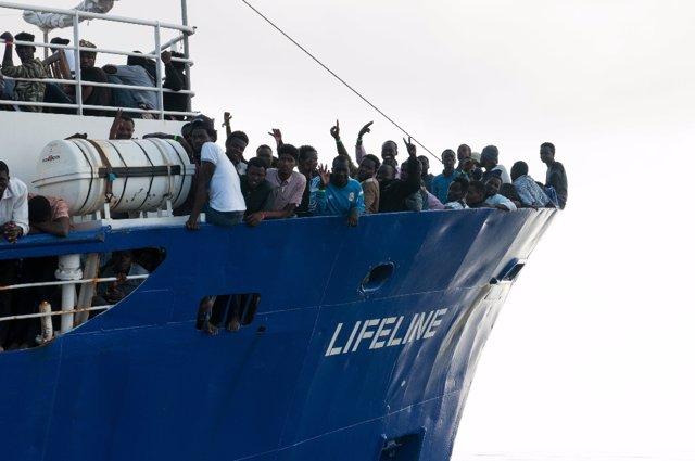 Barco de rescate de la ONG alemana Mission Lifeline
