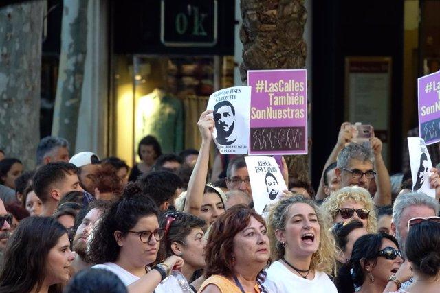 Manifestación contra la puesta en libertad provisional de 'La Manada'