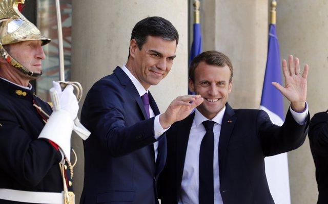 Francia y España proponen crear centros 'cerrados' de migrantes en la UE