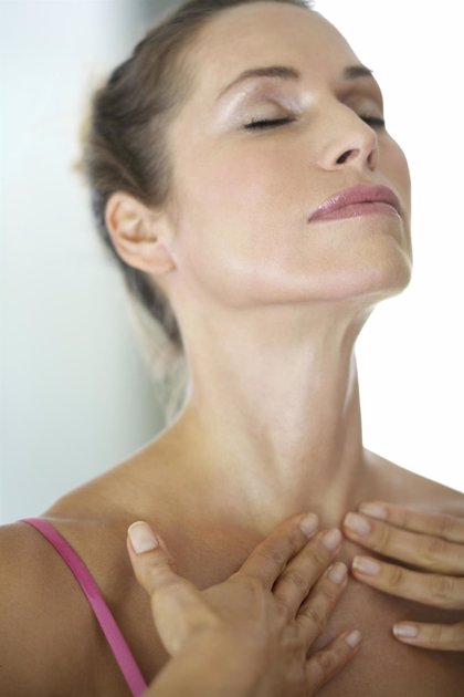 Devuelve la juventud a tu cuello sin pasar por el quirófano