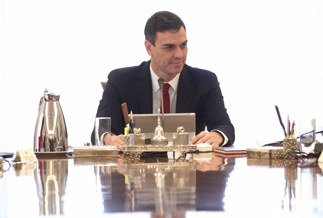 Pedro Sánchez preside su primer Consejo de Ministros