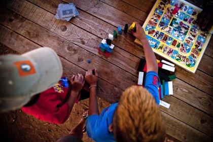 Más de 2.000 niños en riesgo de exclusión participarán en los campamentos de verano de Save the Children en España