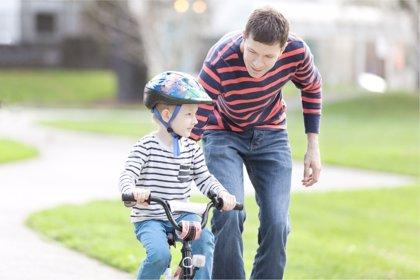 Los padres helicóptero culpables de malos comportamientos, según un estudio