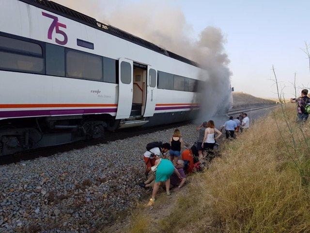 Tren incendiado