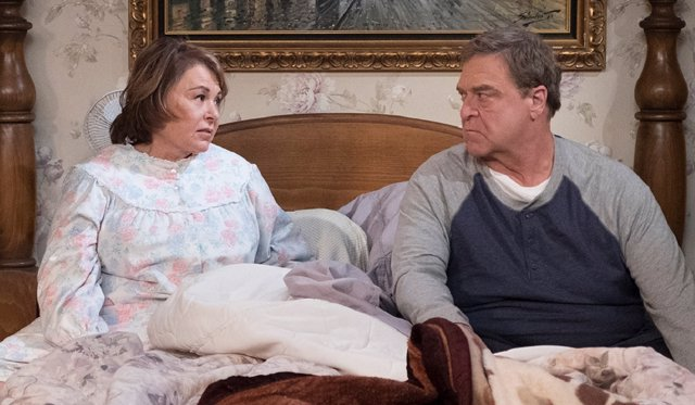 Roseanne Barr y John Goodman en Roseanne