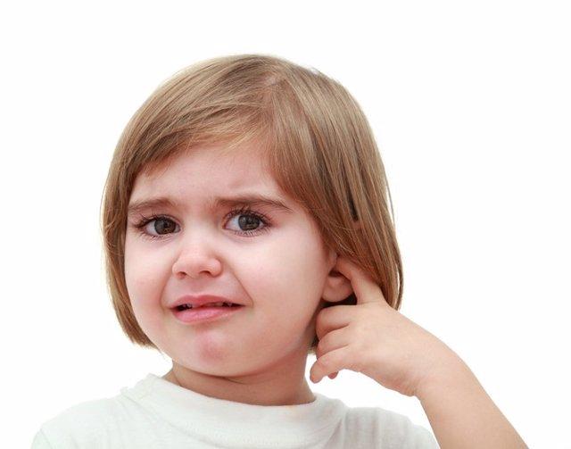 Otitis, niña, dolor, oído, oreja