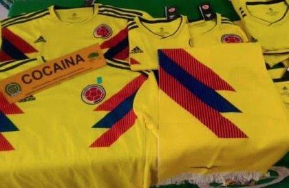 Interceptan 5 kilos de cocaína impregnados en camisetas de la selección colombiana