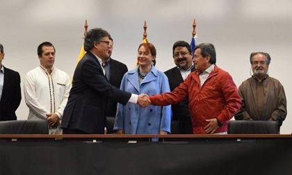 El Gobierno colombiano aplaza para el 2 de julio las negociaciones de paz con el ELN