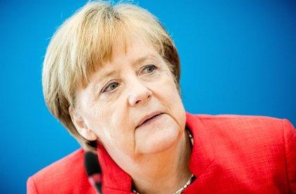 Merkel se reunirá con los líderes de su coalición para hablar de política migratoria