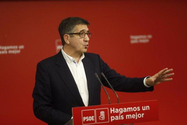 Rueda de prensa del secretario de Política Federal del PSOE, Patxi López
