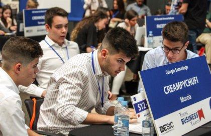 Los jóvenes asturianos prefieren trabajar para una empresa en vez de emprender o ser funcionario