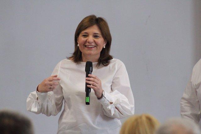 Isabel Bonig en un acto del PPCV