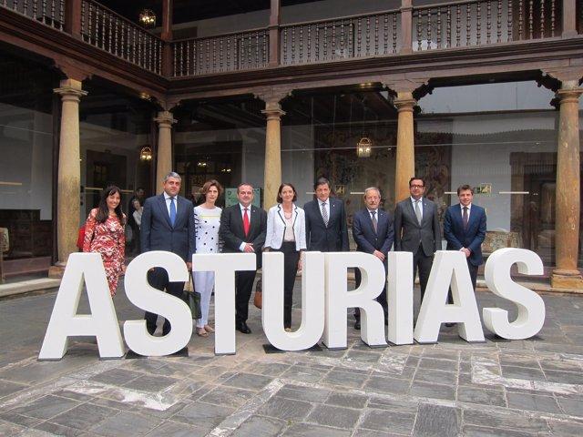 Autoridades en el Congreso Mundial de Destinos Turísticos Inteligentes