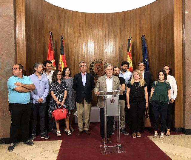 El alcalde con representantes de constructores y contratistas