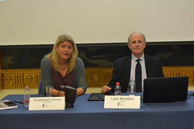 Miralles y Ferrer en la presentación de Memoria Anual de Casa Caridad