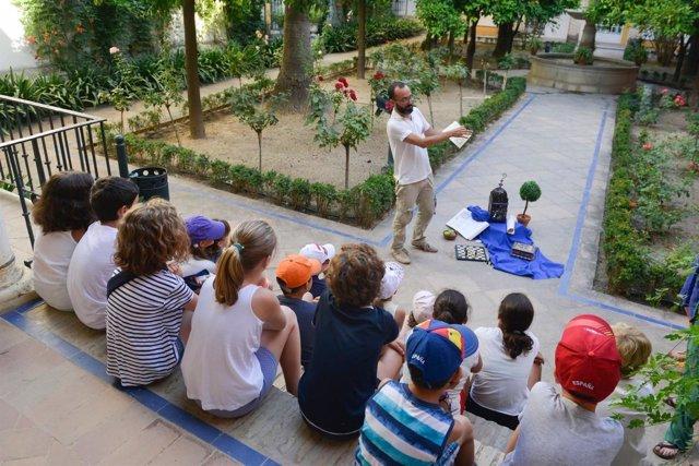 El Real Alcázar acoge actividades educativas y de difusión histórica para niños