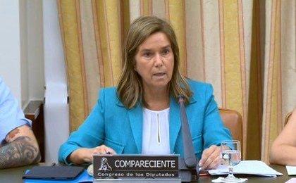 Ana Mato defiende la honradez de Rajoy y recalca: Nadie tiene que rendir cuentas por lo que hacen otros
