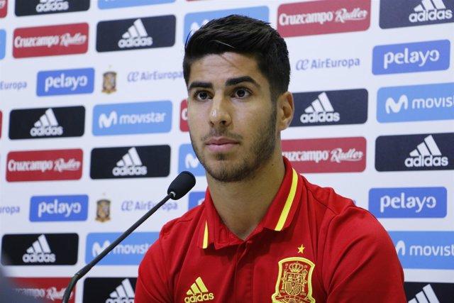 Marco Asensio en rueda de prensa con la selección española