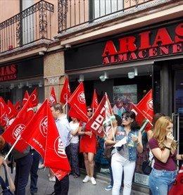 Protesta de los sindicatos por el convenio del comercio