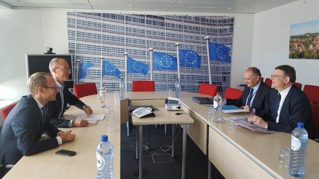 Puig se reúne en Bruselas con representantes de la Comisión