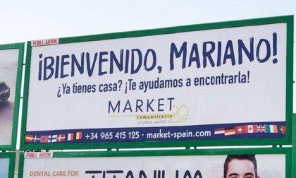 """Una inmobiliaria aprovecha la presencia de Rajoy en Santa Pola: """"¡Bienvenido Mariano! ¿Ya tienes casa?"""""""