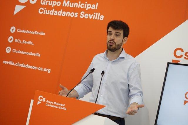 El concejal de Cs en Sevilla Javier Moyano