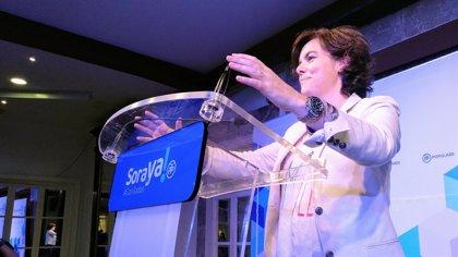 """Saenz de Santamaría critica que en política migratoria los """"gestos son efecto llamada y la gestión es seguridad"""""""
