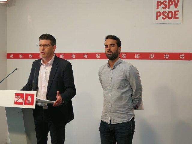 Jorge Rodríguez y José Muñoz en rueda de prensa