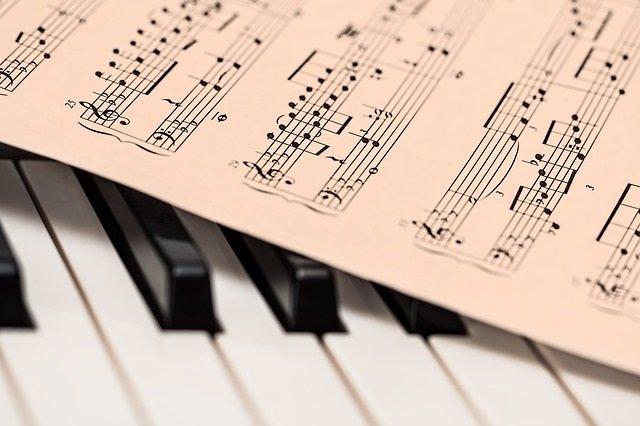 MUSICA, PIANO, PARTITURA